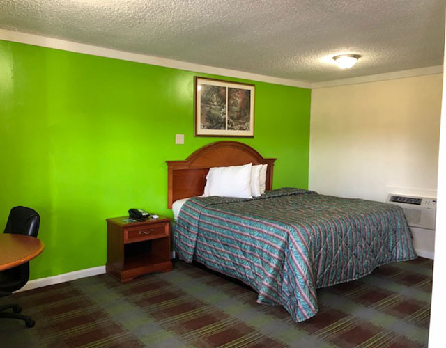 Online Hotel reservation in Stone Mountain